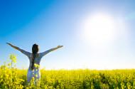Čím víc slunce, tím víc centimetrů. Vědci odhalili překvapivou souvislost