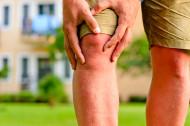 Artritida neznámé příčiny u mladistvých: Jak v její léčbě může pomoci růstový hormon?