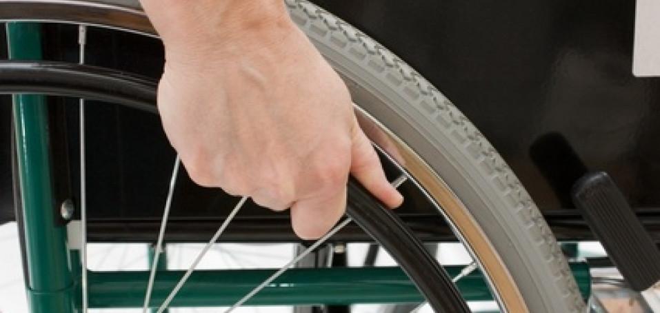 Sportující vozíčkáři: Kde pořídit speciální pomůcky?