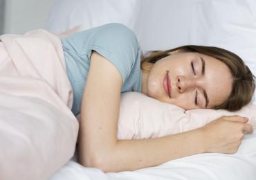 7 hodin spánku pro delší život