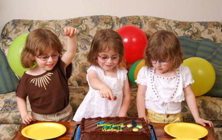 Trojčata, čtyřčata, nebo raději jen jedno dítě?