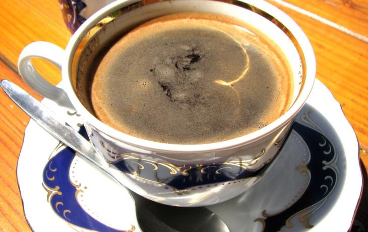 Pijete v těhotenství kávu? Berete dítěti železo a vápník